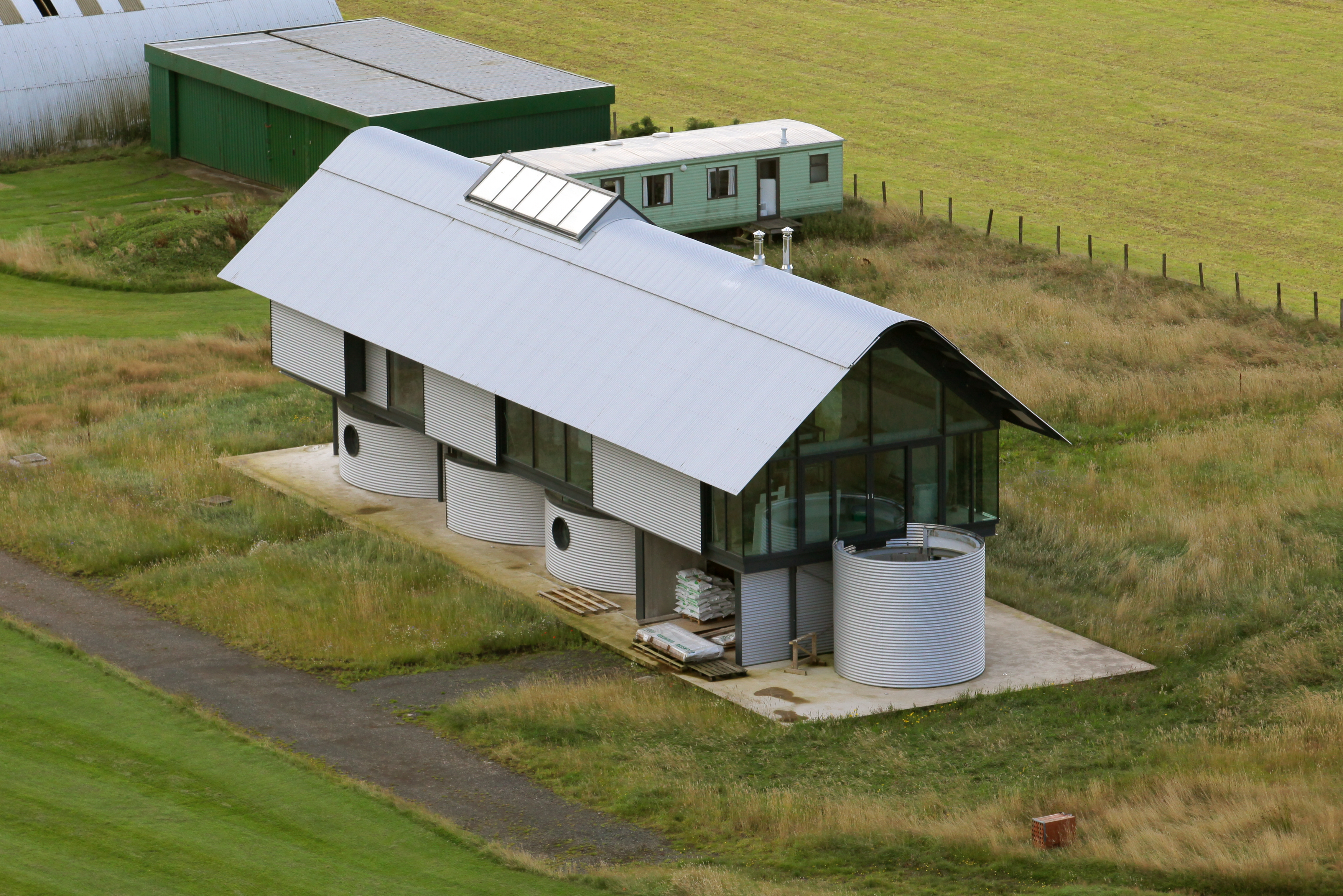 Grand designs airfield house scotland