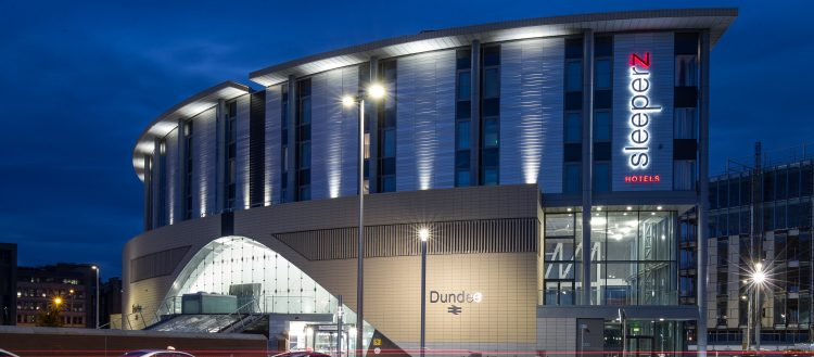 Dundee Railway Station - Curtis Moore (Cladding Systems) Ltd